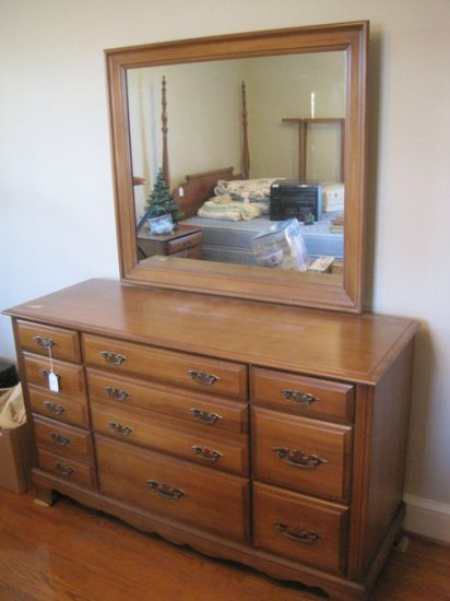Sumter Cabinet Co Maple 9 Dra Auctions Online Proxibid