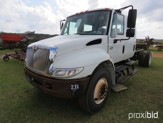 2003 International 4300 truck (county owned)