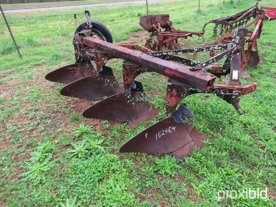 International 4 btm plow