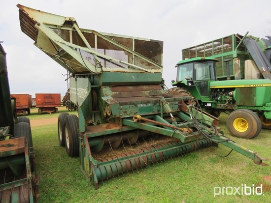 KMC 3350  4 row peanut combine