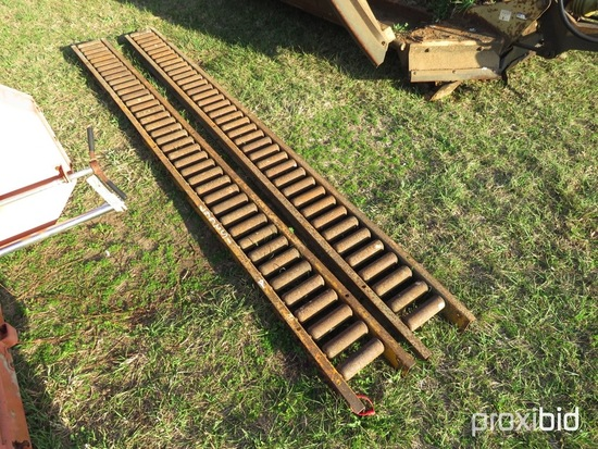 (2) 10' roller beds