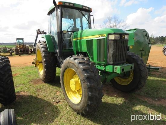 John Deere 7610 tractor