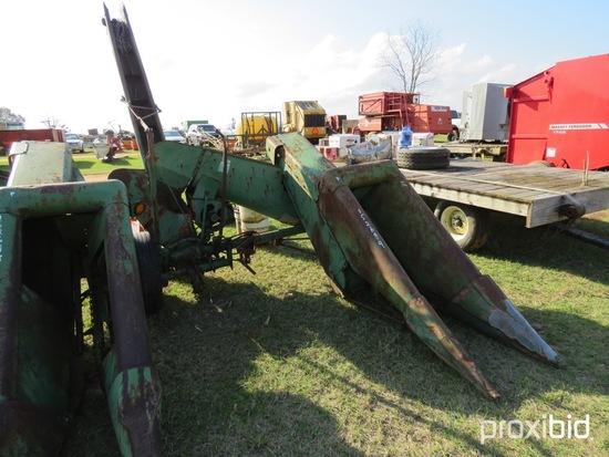 John Deere 120  1 row mounted corn puller