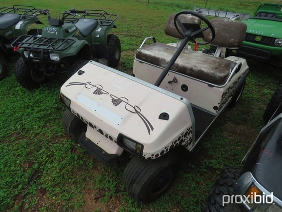 Club Car electric golf cart w/ charger