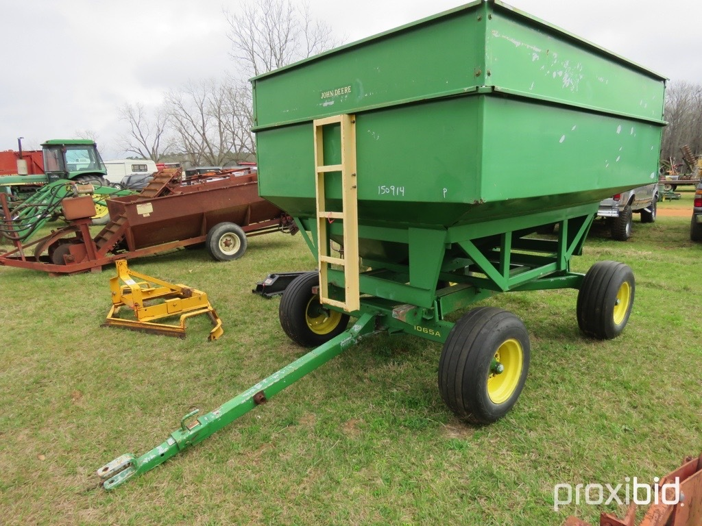 J&M gravity wagon w/ JD 1065A gear