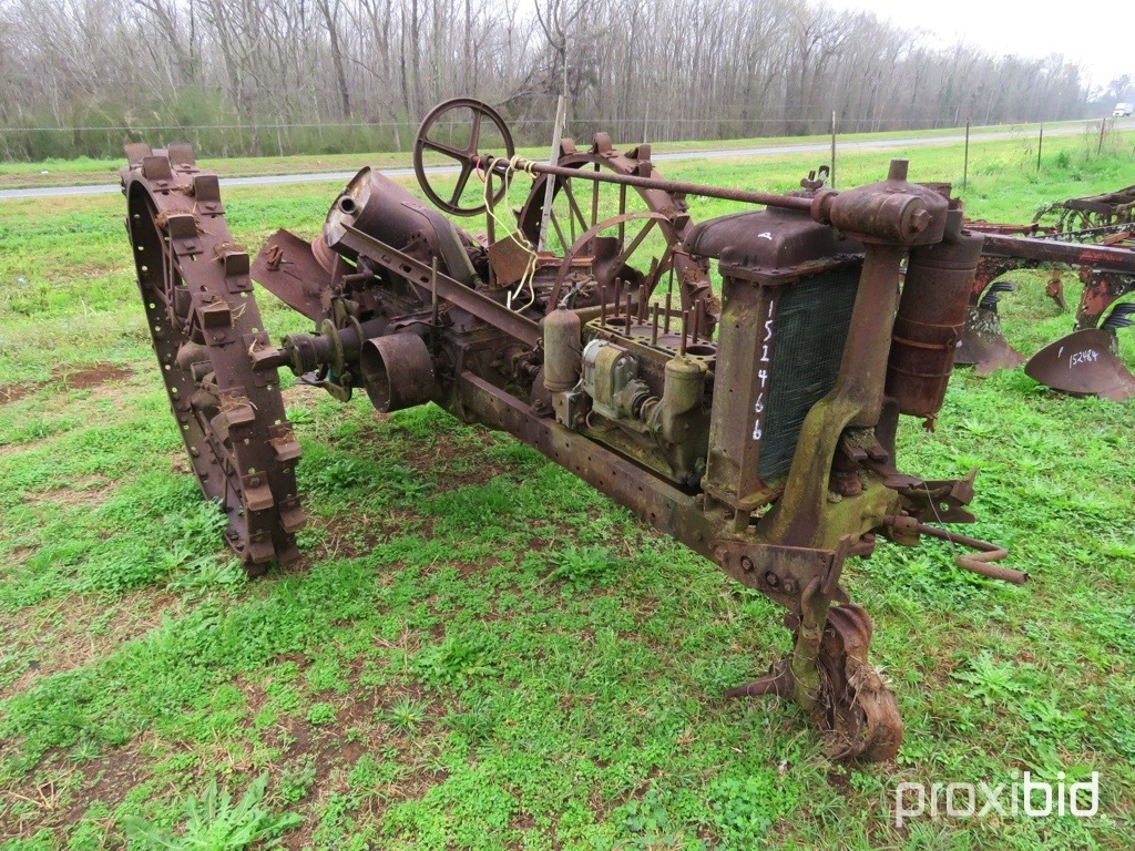 Farmall F12 tractor (AS/IS)