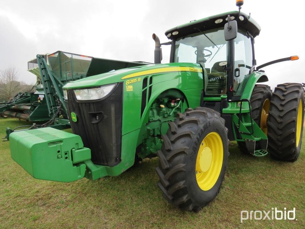 John Deere 8285R tractor