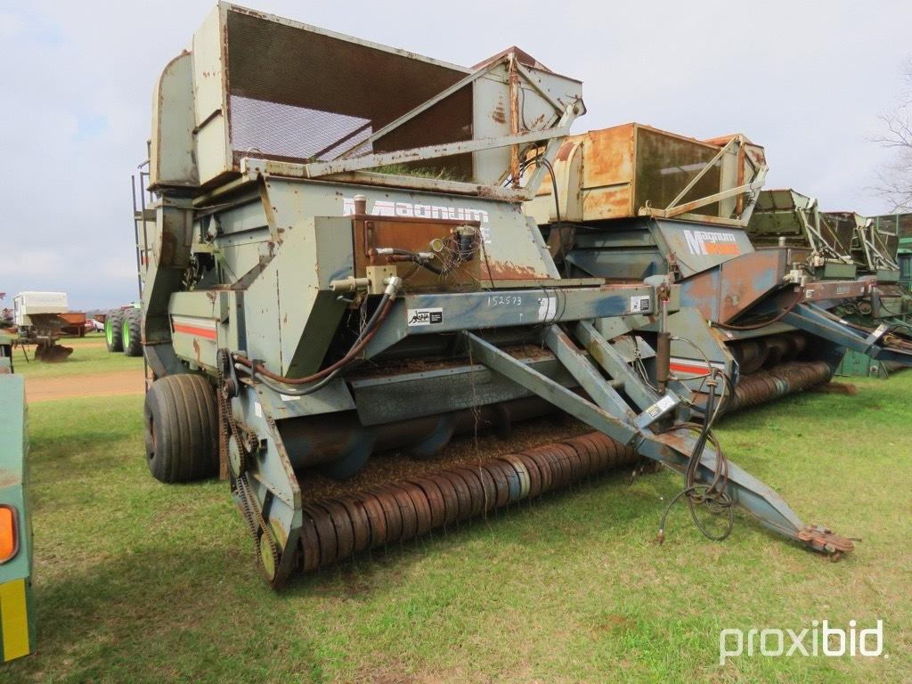 Amadas 9097 4 row peanut combine