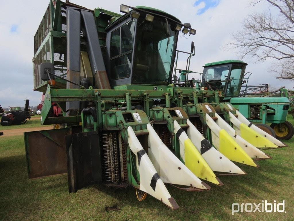 John Deere 9965 cotton picker