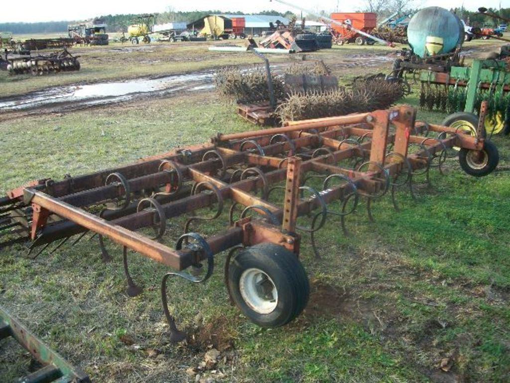 Unverferth 14' field cultivator