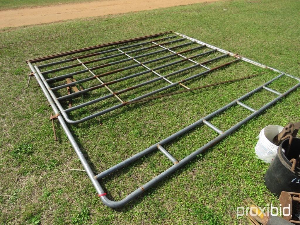 (1) 10' livestock walk-thru bow gate