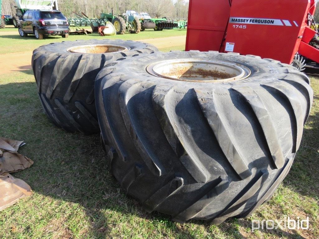 (2) 1050/50R32 tires on 12 bolt wheels