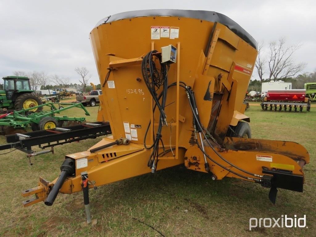 Kuhn Knight 5042 TMR mixer wagon