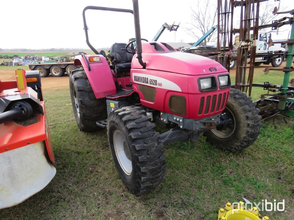 Mahindra 6520 tractor