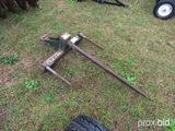 Bucket bale spear
