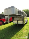 2000 Towlite 3 horse slant gooseneck trailer