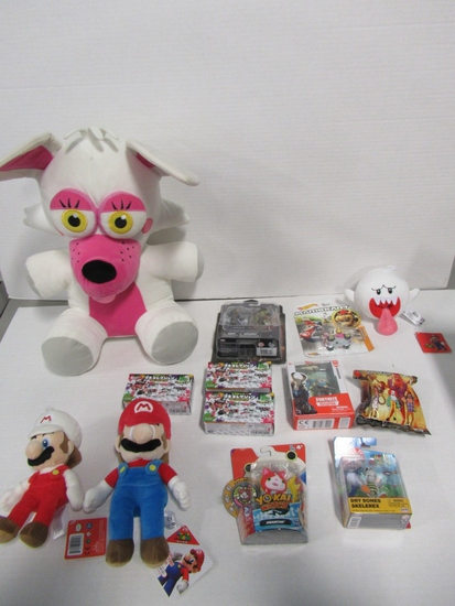 Video Game Related Toy & Plushie Lot