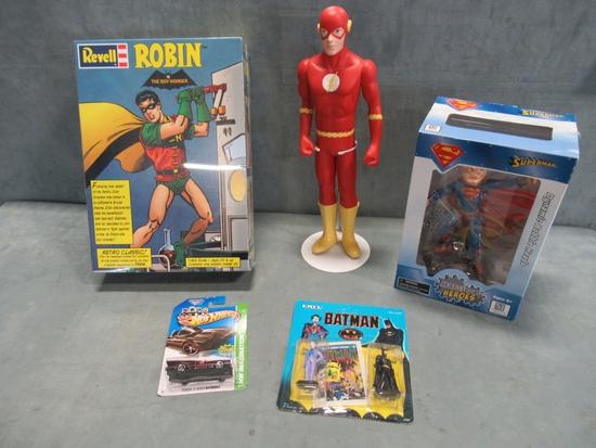 DC Figures & Goodies Lot of (5)