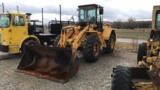 2004 Hyundai HL740XTD-7 Rubber Tired Loader,