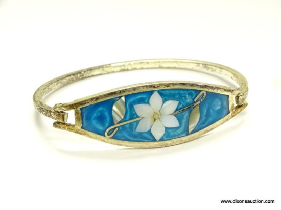 SIGNED ALPACA MEXICO MOTHER OF PEARL AND BLUE ENAMEL INLAID FLORAL DECORATED BRACELET WITH HINGED