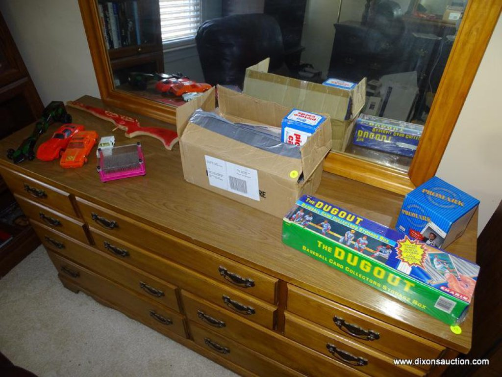 Lot Bedroom 2 Box Lot Of Baseball Cards Includes The