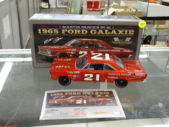 (R2) UNIVERSITY OF RACING LEGENDS 1:24 SCALE DIECAST MODEL CAR; #21 MARVIN PANCH 1965 FORD GALAXIE,
