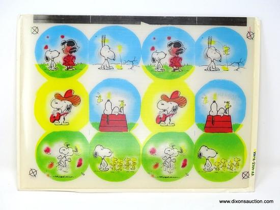 1960'S SNOOPY & CHARLIE BROWN FLICKER PANELS. MEASURES 12.5 IN X 9.5 IN.