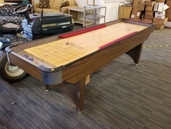 Venture 9' Classic Shuffleboard Table Auction.
