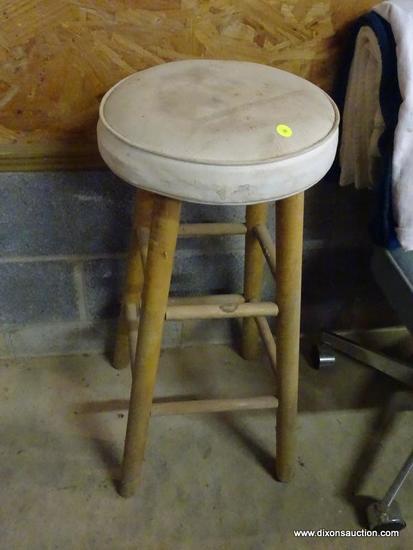 (GAR) STOOL; PADDED SEAT BAR STOOL, MEASURES 30 IN H