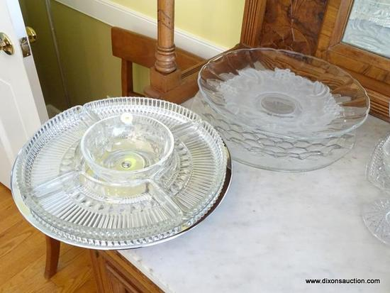 (DR) VINTAGE GLASS SERVING TRAYS LOT; 4 TOTAL ITEMS INCLUDING A FOSTORIA AMERICAN CUBE PATTERNED