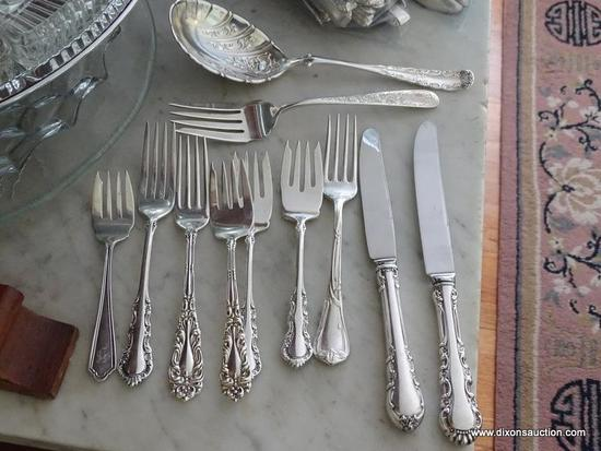 (DR) STERLING FLATWARE BAG LOT; INCLUDES 12 TOTAL PIECES SUCH AS PATTERNED 1847 ROGERS BROS SERVING