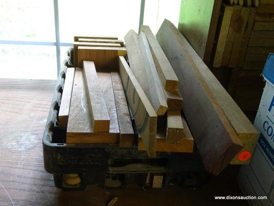 (WSHOP) TRAY LOT; INCLUDES ASSORTED PIECES OF WOOD OF VARYING LENGTHS AND THICKNESSES ALL IN A BLACK