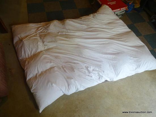 (BAS) FOLD UP MATTRESS; TWIN SIZE FOLD UP MATTRESS FOR AN AIR MATTRESS OR CAMPING COT