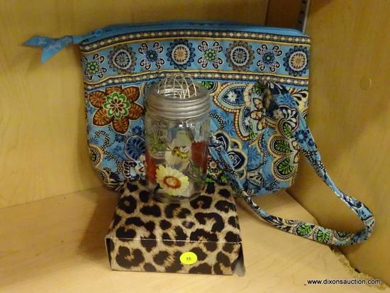 (R6B) ASSORTED ITEMS LOT; TOTAL OF 3 PIECES INCLUDING VERA BRADLEY LIGHT BLUE DOUBLE HANDLED TOTE
