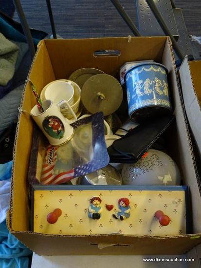 MYSTERY BOX LOT; INCLUDES A RAGGEDY ANNE-THEMED SHAKER PEG COAT HANGER, A BLUE AND WHITE WEDGWOOD