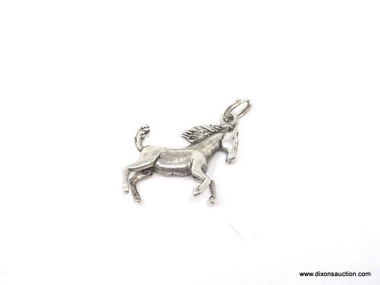 LADIES .925 STERLING SILVER STALLION CHARM CASTING. MEASURES 3/4 IN. WEIGHS 3.5 GRAMS.