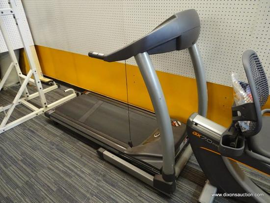 HORIZON FITNESS TREADMILL; PROGRAMS INCLUDE MANUAL, INTERVALS, WEIGHT LOSS, GOLF COURSE, RACE, USER