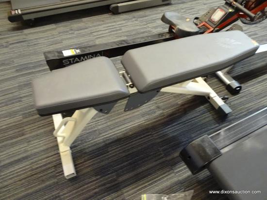 NAUTILUS WEIGHT PRESS BENCH; DUAL ROLLERS AND HAND GRIP FOR TRANSPORT, 30 DEGREE INCLINE TO 80