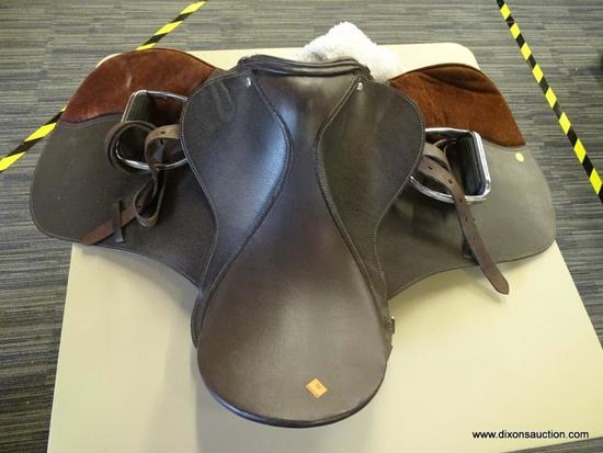 LEATHER 18 1/2 IN HORSE SADDLE; COMES WITH A FLEECE SADDLE PAD WITH SUEDE DETAILING. IS DARK BROWN