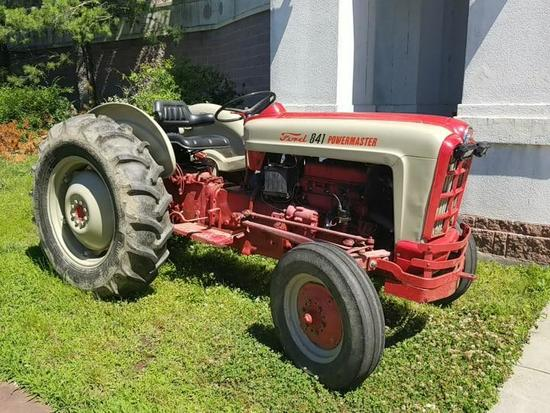 FORD 841 POWERMASTER TRACTOR; FOUR SPEED FORD 2.8L 4-CYCLE GASOLINE ENGINE. RED & WHITE IN COLOR.