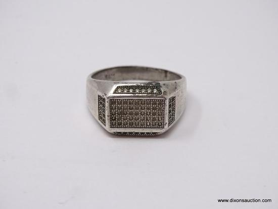 MEN'S .925 STERLING SILVER RING; STERLING SILVER RING WITH ROWS OF STONES. SIZE 11.