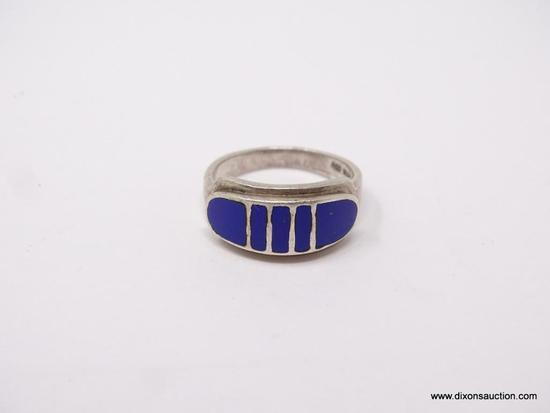 LADIES .925 STERLING SILVER RING; STERLING SILVER BAND AND BLUE LAPIS STONES. SIZE 7.