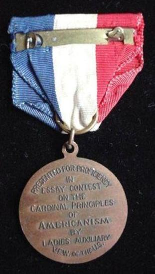 VFW Veterans of Foreign Wars Americanism Essay Patriotic Award Medal Interesting and SCARCE