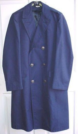 USAF US Air Force Navy Blue Wool Serge Overcoat Size 37R Very nice 1976 dated United States Air