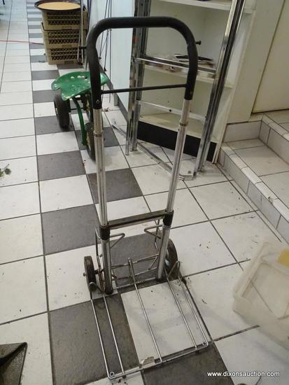 LUGGAGE DOLLY; FOLDING LUGGAGE HAND TRUCK. GREAT FOR USE AT THE AIRPORT OR TRAIN STATION!