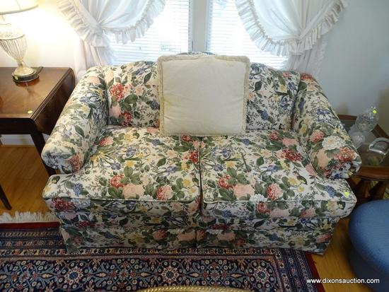 (LR) LOVESEAT; FLORAL UPHOLSTERED SOFA-VERY GOOD CONDITION- 59 IN X 35 IN X 33 IN