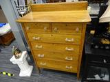 MAPLE TALL BOY; 6 DOVETAIL DRAWER MAPLE TALL BOY, HAS 2 TOP DRAWERS WITH CLEAR KNOBS AND 4 DRAWERS