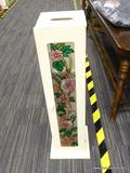 TOILET PAPER HOLDER; WOODEN TOILET PAPER HOLDER WITH A STAINED GLASS HUMMINGBIRD AND FLOWER DOOR