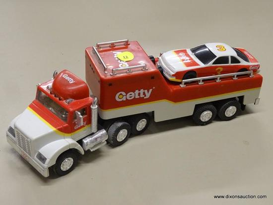 GETTY 18 WHEELER WITH RACER; GETTY 1995 18 WHEELER MODEL TRUCK WITH RACER, AN ALERT HORN, AND