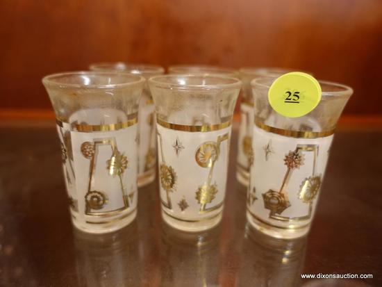 (R1) LOT OF SHOT GLASSES; 6 PIECE LOT OF MATCHING SHOT GLASSES WITH SNOWFLAKES ON THEM.